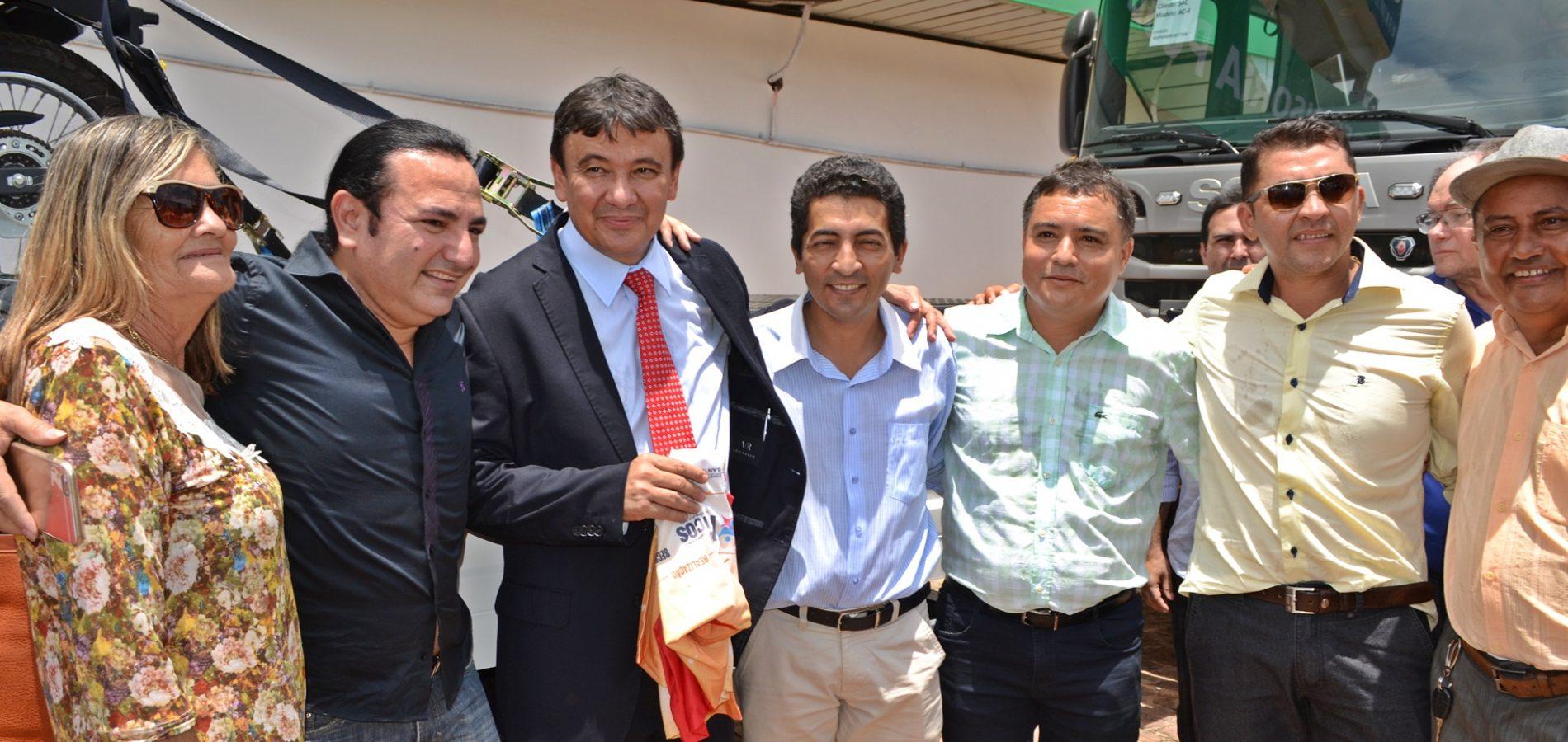 Governador autoriza início das obras de recuperação da rodovia que liga a BR 407 a Itainópolis