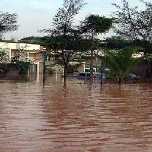 Casa de Wellington Dias no Condomínio Mirante do Lago fica 'ilhada' e agenda é cancelada