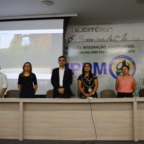 PATOS | Secretária de Educação participa de encontro UNDIME em Teresina