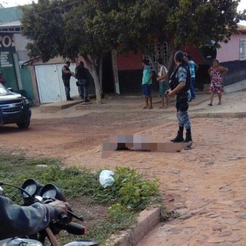 Mulher é morta pelo amante a tiro e pauladas na frente do filho no Piauí, diz PM