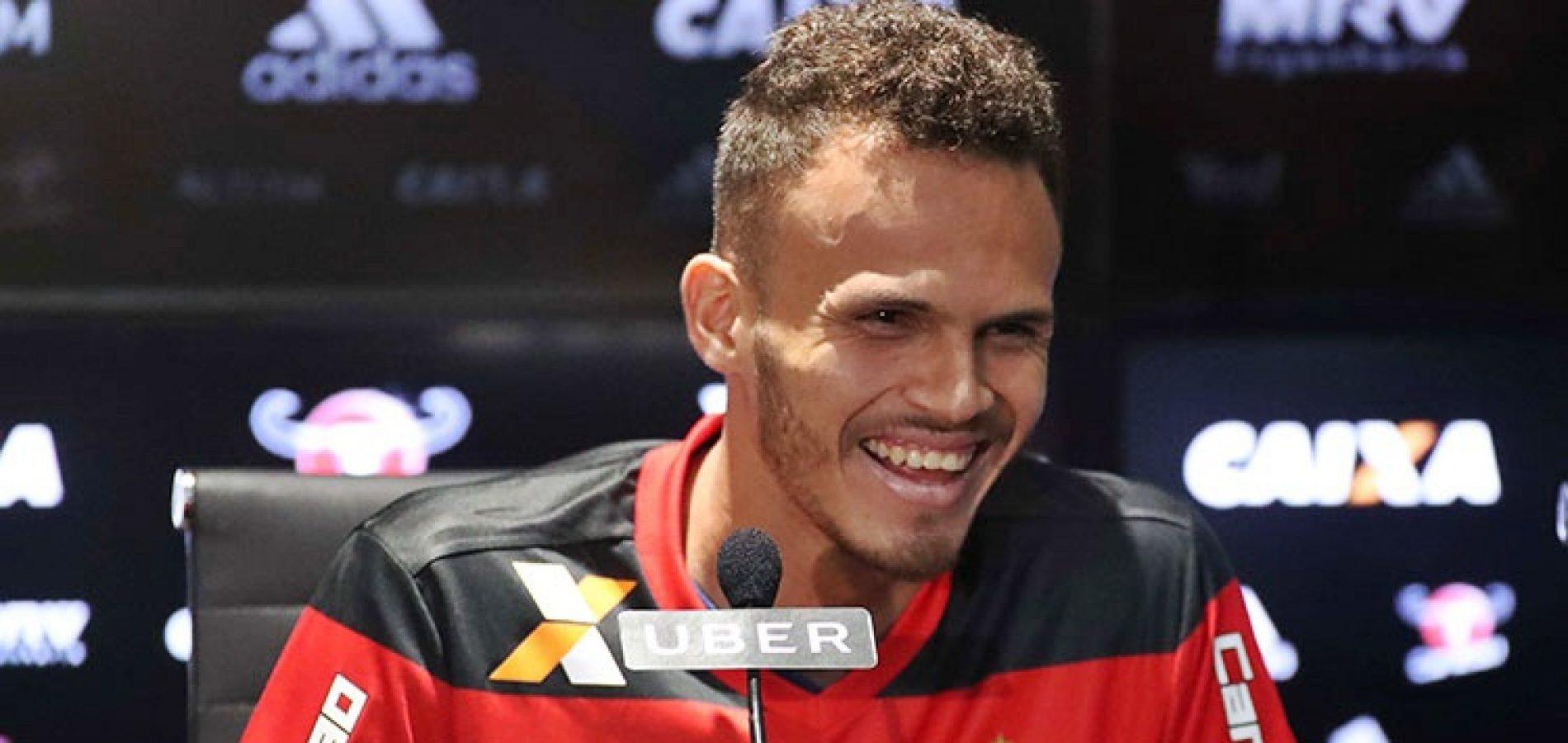 Piauiense Renê confia na volta de Rômulo aos titulares do Flamengo