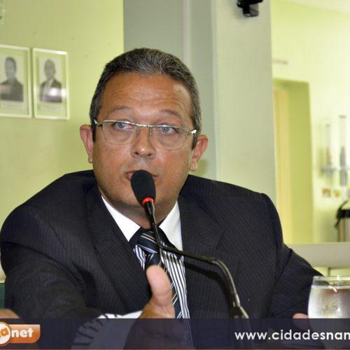 JAICÓS | Robim solicita iluminação do trecho urbano da BR 407 e recuperação de buraco na PI 229