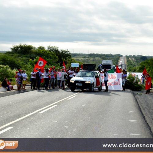 CAMPO GRANDE | Manifestantes bloqueiam  BR-316  em protesto contra Reforma da Previdência