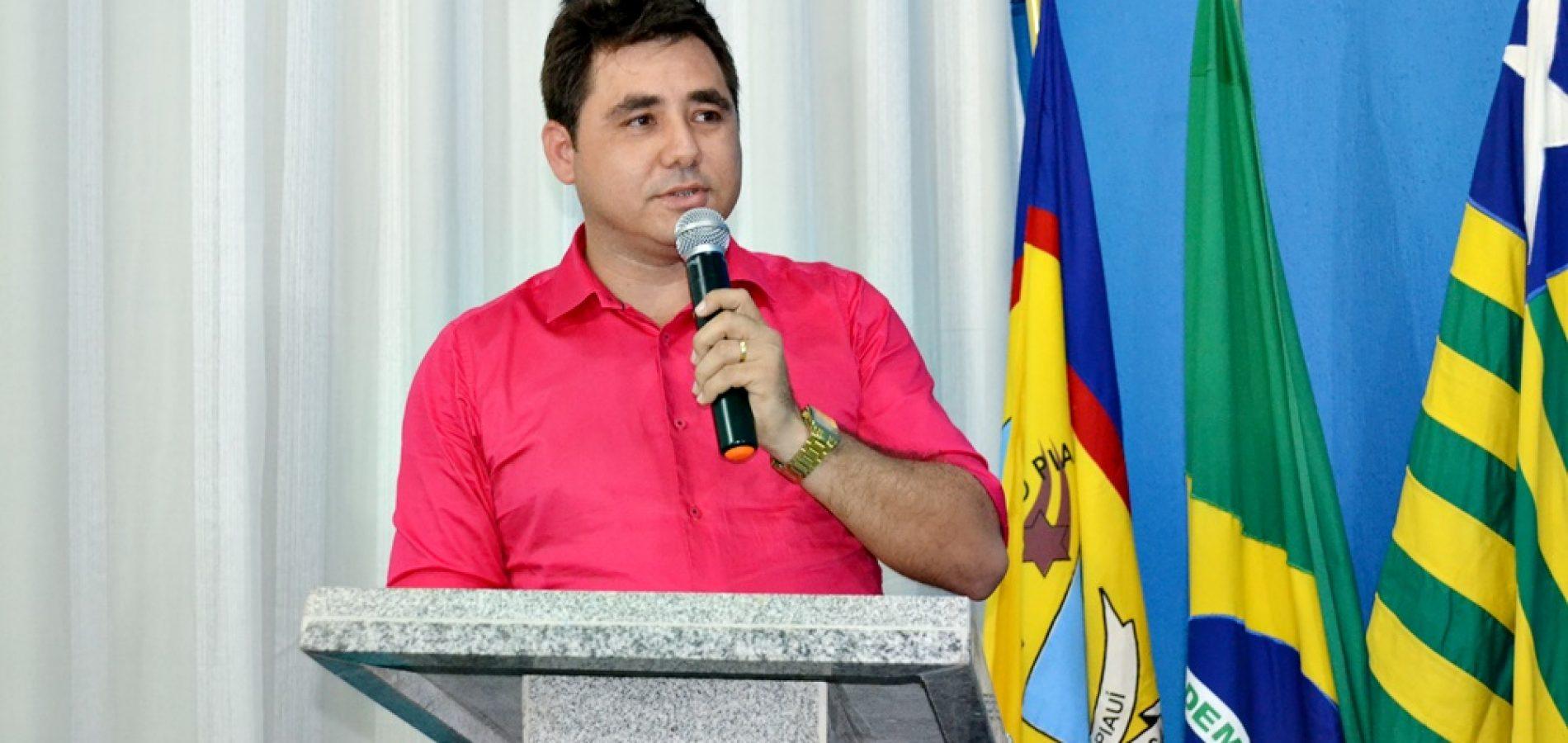 Prefeito de Padre Marcos esclarece boatos sobre a negativa do mesmo em assinar projetos conquistados para o município