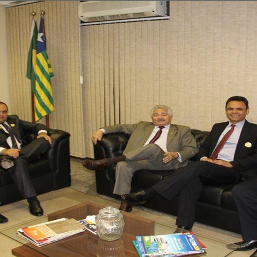 Presidente da APPM solicita apoio do senador Elmano  para implantar consórcio intermunicipal em Saúde