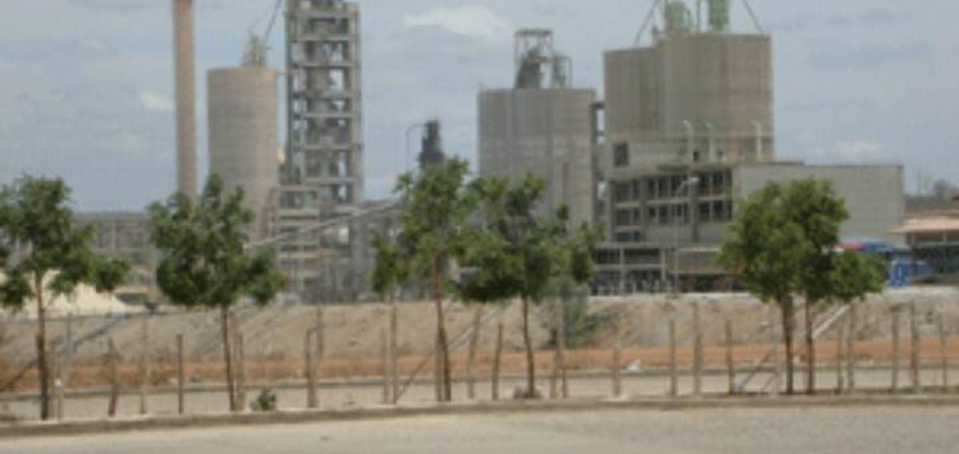 FRONTEIRAS | Fábrica de cimento  dispensa cerca de 500 funcionários e anuncia suspensão temporária dos serviços