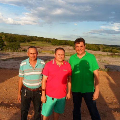 Deputado Nerinho e prefeito Edilson agilizam projeto para recuperação do barreiro no interior  de Vila Nova