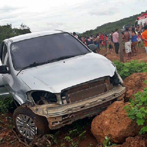 Mulher morre e dois ficaram feridos após a colisão frontal entre veículos no Norte do Piauí
