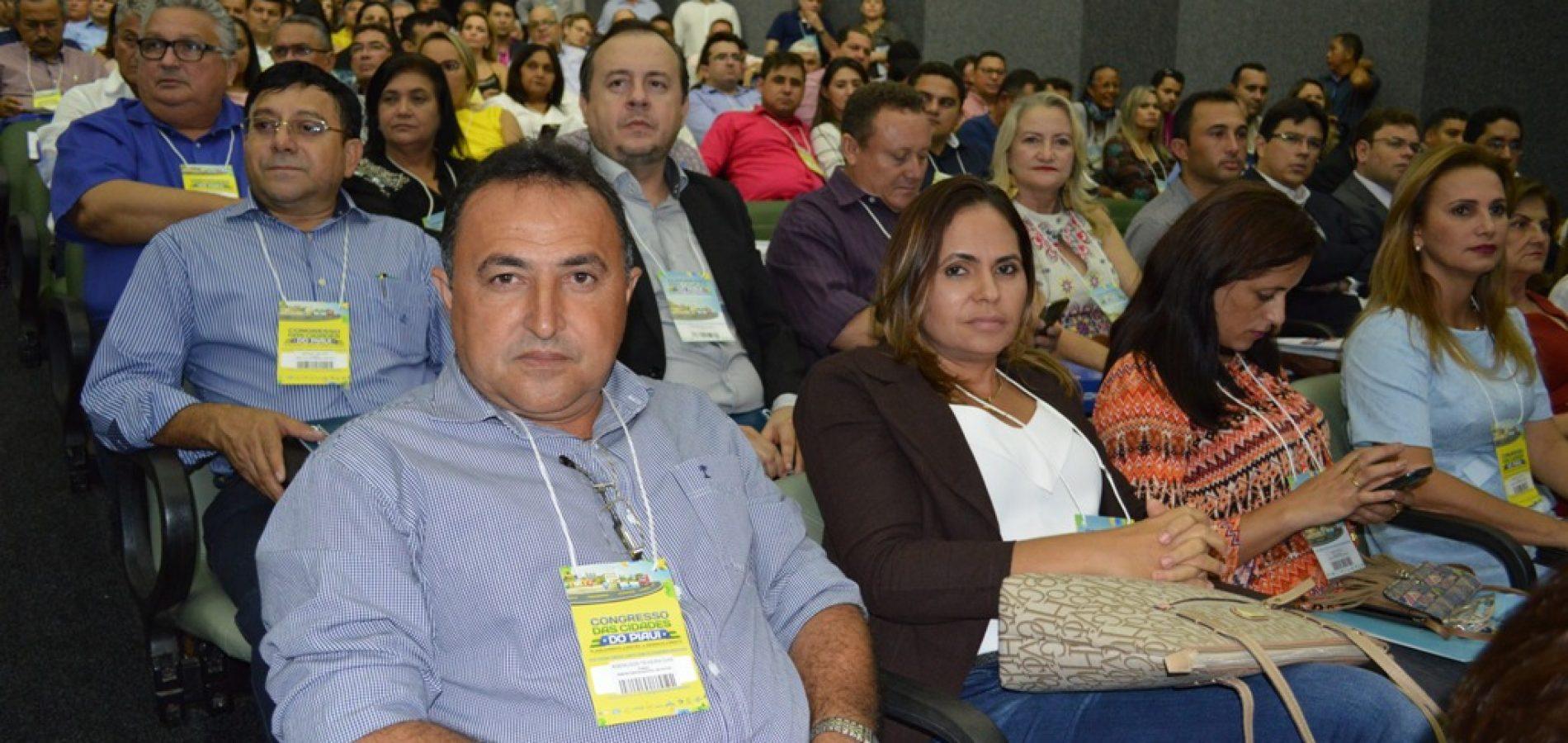 Prefeito de Patos participa de Congresso das Cidades em Teresina