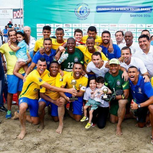 Brasil pega campeão europeu e atual vice no Mundial de futebol de areia
