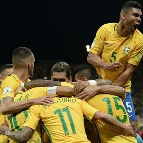 Brasil dá show contra Paraguai e vence oitava seguida