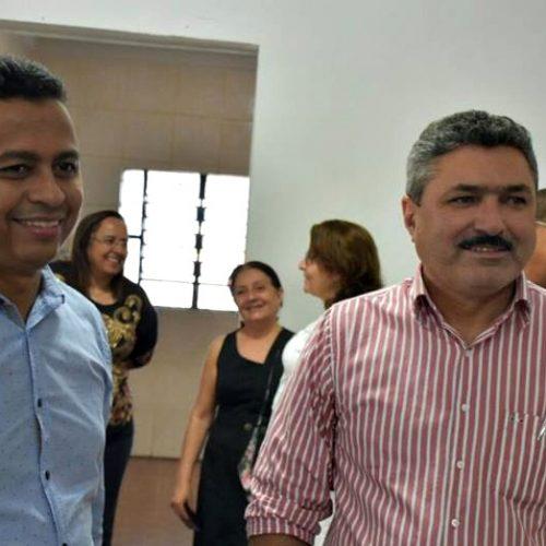 Secretário estadual de Saúde visita Simões para implantação do CAPS