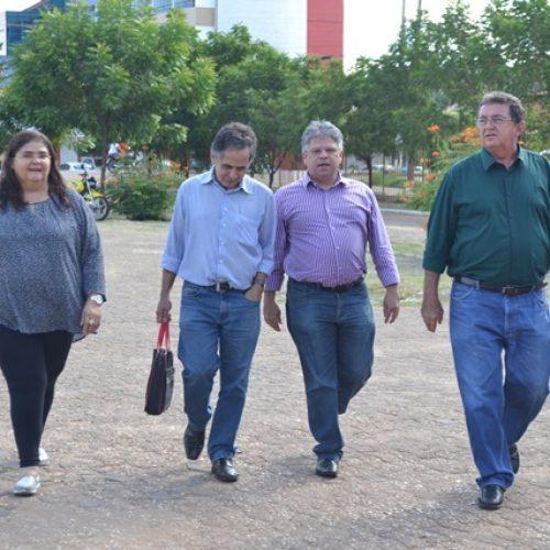 Comissão de deputados visita Terminal Rodoviário de Picos