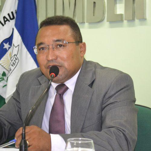 JAICÓS   Vereador Jessé quer transporte gratuito para estudantes universitários