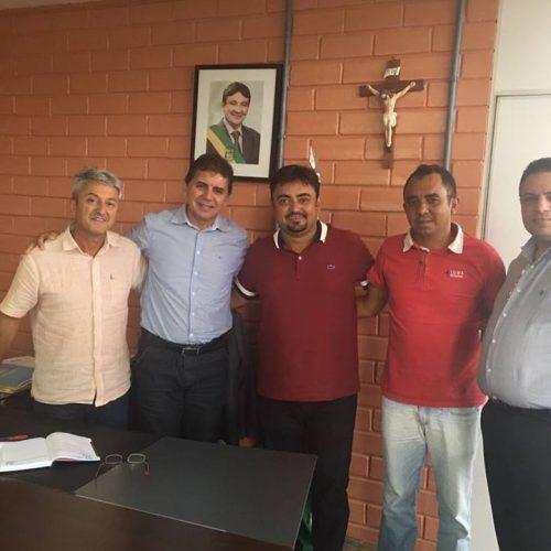 ALEGRETE   Prefeito Márcio Alencar agiliza documentação junto a FUNDESPI para construção do Estádio de Futebol