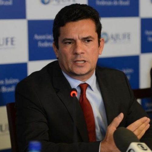 'Faça concurso para juiz', diz juiz Sérgio Moro para advogado 'exaltado' de Palocci