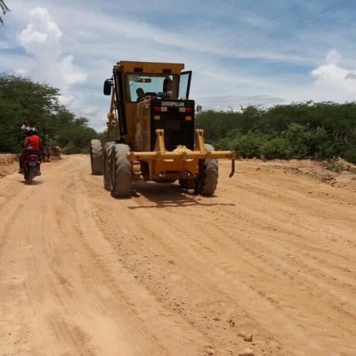 JAICÓS | Prefeito acompanha obras na zona rural do município