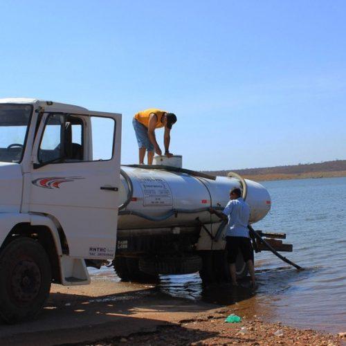 Exército recebe denúncia de que pipeiros estão usando água imprópria no Piauí