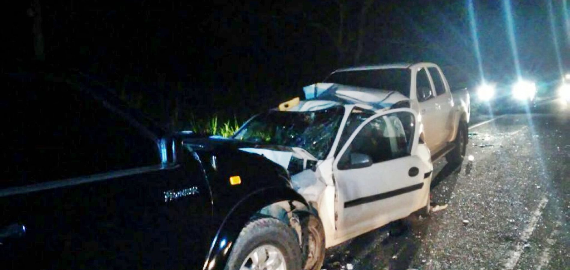 Colisão entre três veículos deixa duas pessoas mortas no interior do Piauí; veja fotos