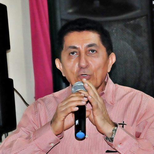 Prefeito de Ipiranga do Piauí nega denúncias contra Educação e acusa opositor de perseguição política