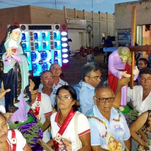 Comunidade católica de Alagoinha celebra pela primeira vez Procissão dos Passos