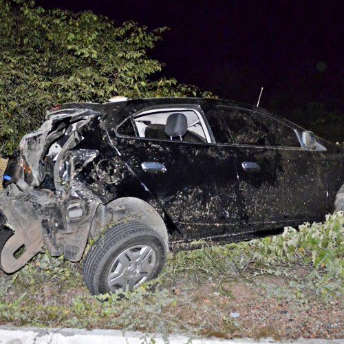 Advogado capota carro na BR 407, em Jaicós; veja fotos
