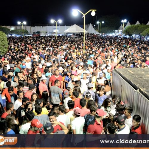 Shows com Tropikália, Caninana e Guilherme Dantas levam grande público ao aniversário de Caldeirão Grande do PI