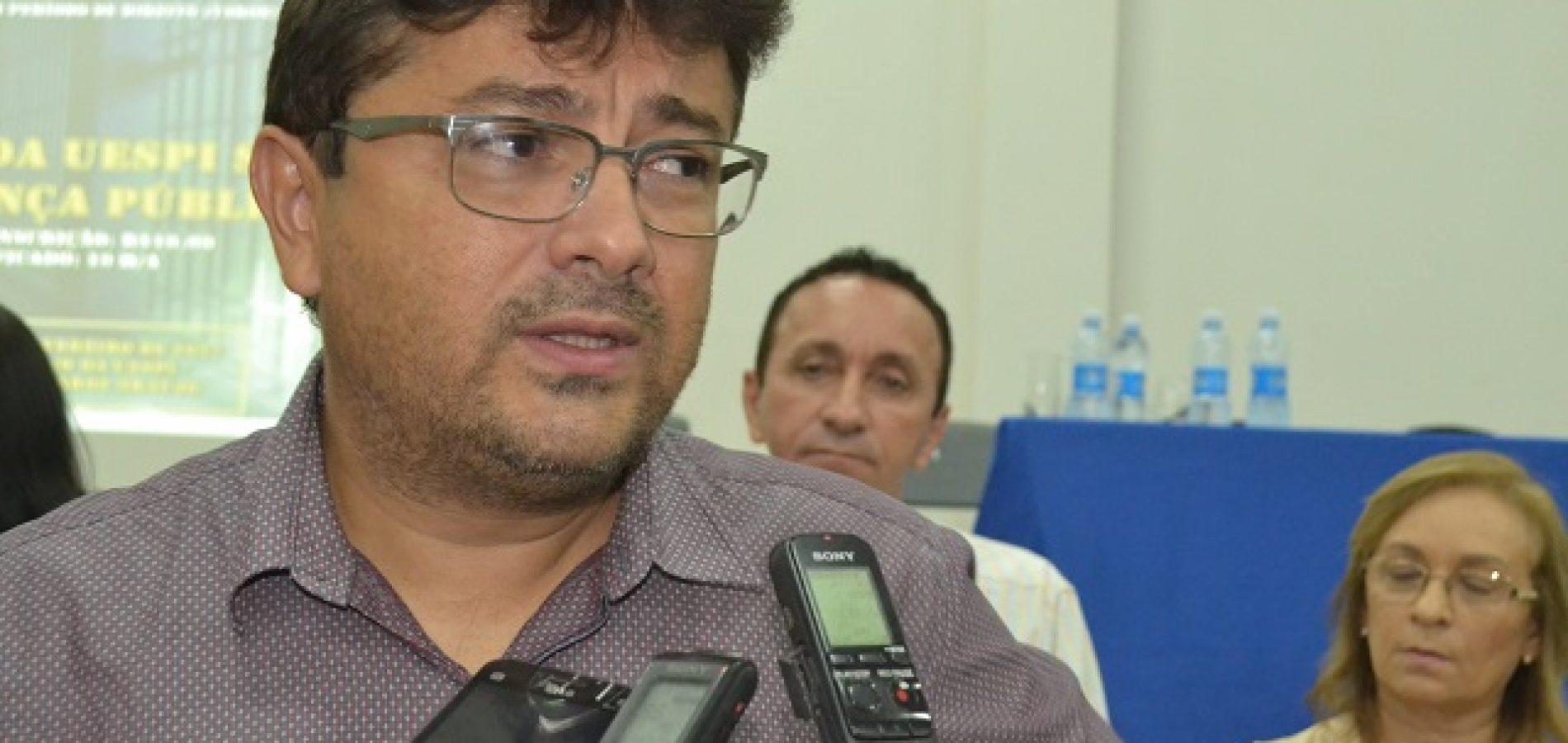 """""""Lei do silêncio"""" dificulta investigação de crimes na Penitenciária de Picos"""