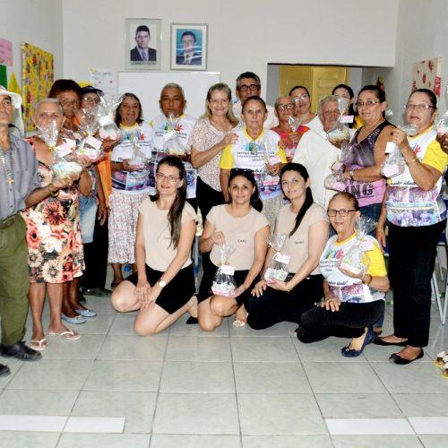 Secretaria de Assistência Social de Vila Nova reúne idosos e comemoram a páscoa; veja imagens