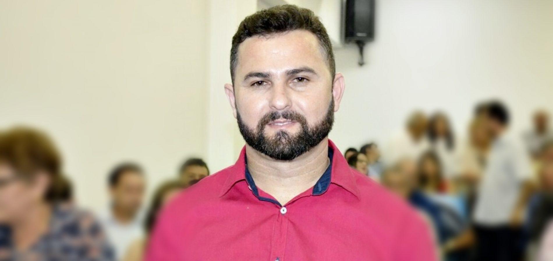 """Governo licita asfaltamento da estrada para o povoado Juazeiro Secundo; """"Mais uma etapa realizada"""", diz prefeito"""