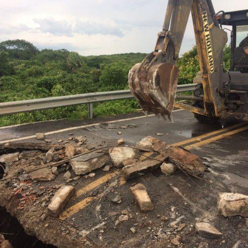 Exército começa obra de recuperação em ponte interditada entre o Ceará e Piauí