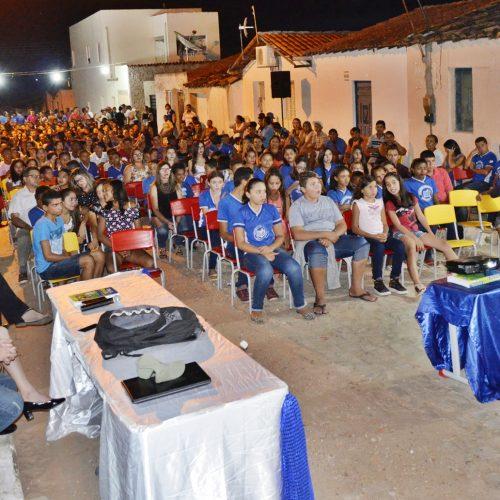 Polícia ministra palestras sobre trânsito e drogas para centenas de alunos em Massapê do Piauí
