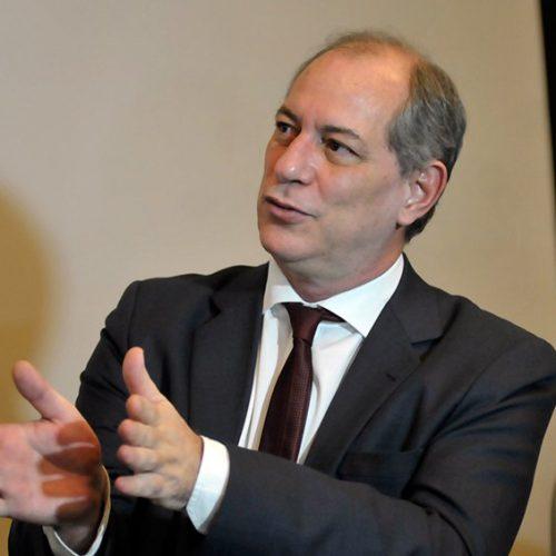Ciro Gomes diz que Bolsonaro é 'tresloucado' e 'despreparado'