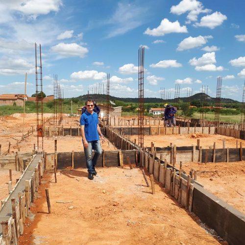 Estamos construindo uma grande creche para melhor acolher as nossas crianças, diz prefeito de Massapê