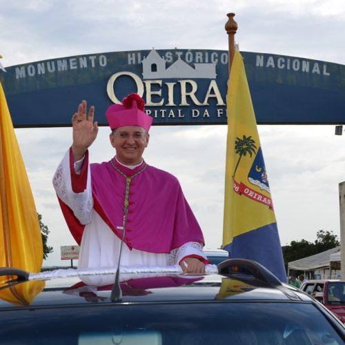 Dom Edilson Nobre toma posse como novo bispo da Diocese de Oeiras; veja fotos