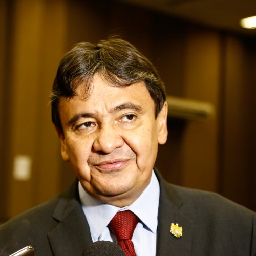 Wellington Dias diz que o Estado trabalha para evitar atraso de salários
