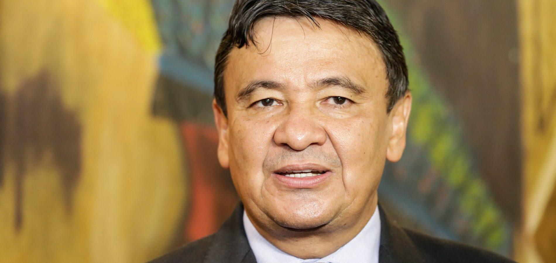 Wellington autoriza obras em Itainópolis, Floresta e Simplício Mendes