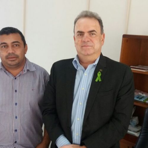 Prefeito firma parceria com Ministério e Carteira de Trabalho será emitida em Jaicós