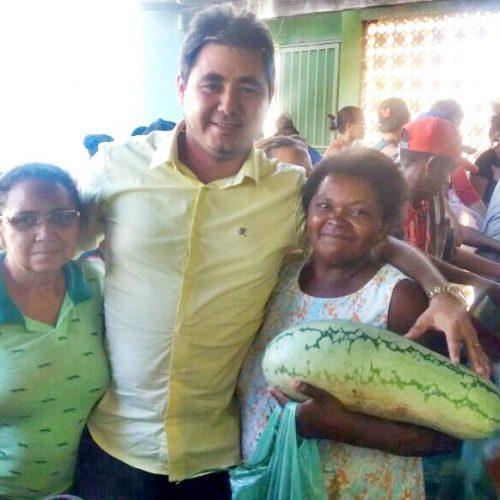 Prefeitura de Padre Marcos distribui alimentos para famílias carentes