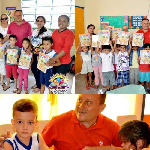 Prefeito compra e faz a entrega de mais de 100 livros para a Educação Infantil em Vila Nova
