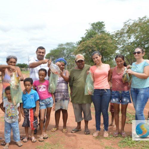 Prefeito Neném de Edite distribui 1.500 kg de peixes para famílias jaicoenses