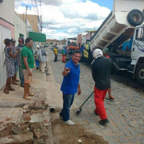 PADRE MARCOS | Mais uma etapa do asfaltamento é concluído no centro da cidade