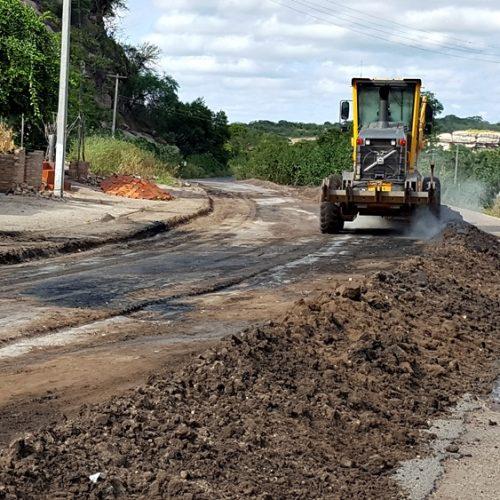Iniciadas as obras de recuperação do asfalto para Massapê do Piauí; veja fotos