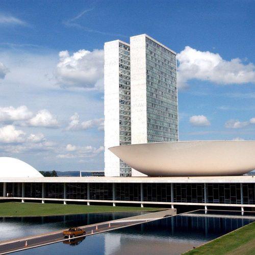 Câmara inicia debate sobre PEC da reforma política; acompanhe