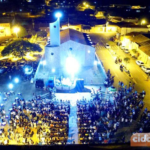 FOTOS | Missa, rifão de prêmios e seresta na última noite dos Festejos de Nossa Sra. de Fátima em Alegrete