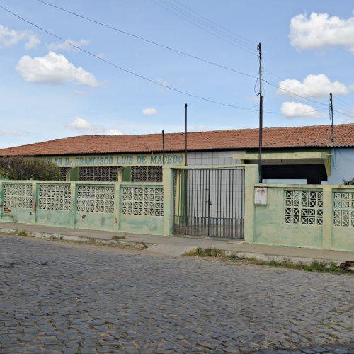 PADRE MARCOS | Prefeito Valdinar anuncia reforma da Escola Francisco Luís e construção de quadra