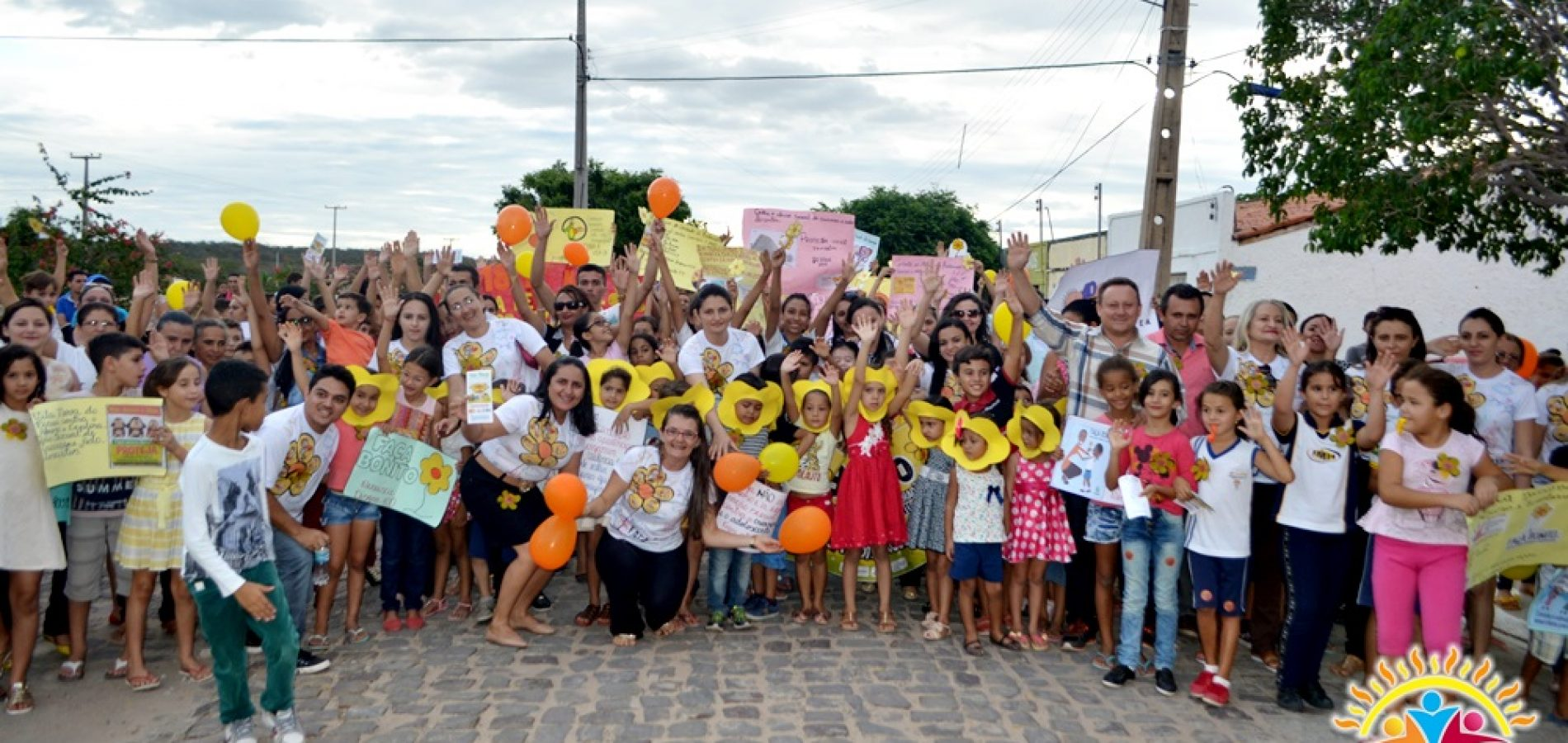 Prefeitura de Vila Nova encerra VI Semana do Bebê com ações da assistência social e caminhada contra o abuso e a exploração sexual de crianças e adolescentes