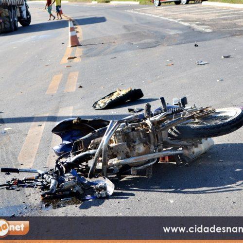 Motociclista fica gravemente ferido após colisão com caminhão na BR 407, em Jaicós; veja fotos