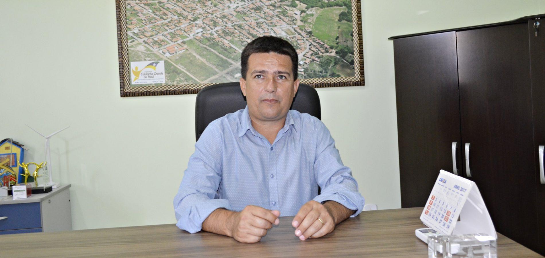 Prefeito Vianney anuncia atrações da festa de aniversário de Caldeirão Grande do Piauí