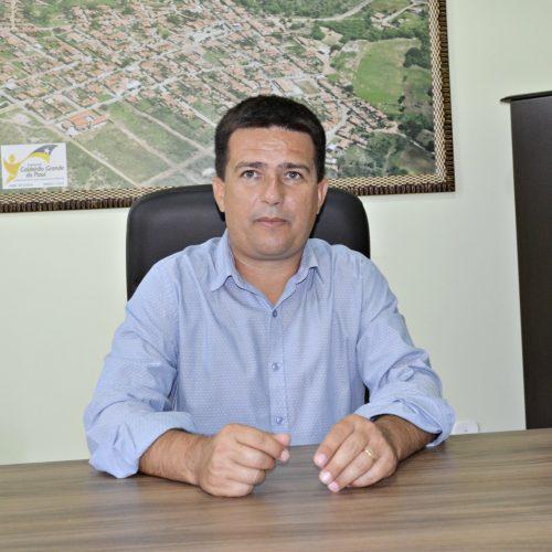 Tribunal aprova prestações de contas da gestão do prefeito Vianney em Caldeirão Grande do Piauí